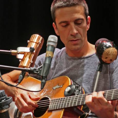 O cantor e compositor português Manel Cruz Foto: Pedro Nascimento / Divulgação