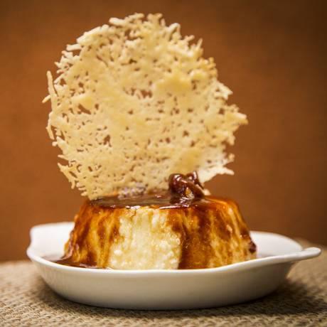Pudim de queijo com calda de goiaba do Armazém Nordestino Foto: Bárbara Lopes / Agência O Globo