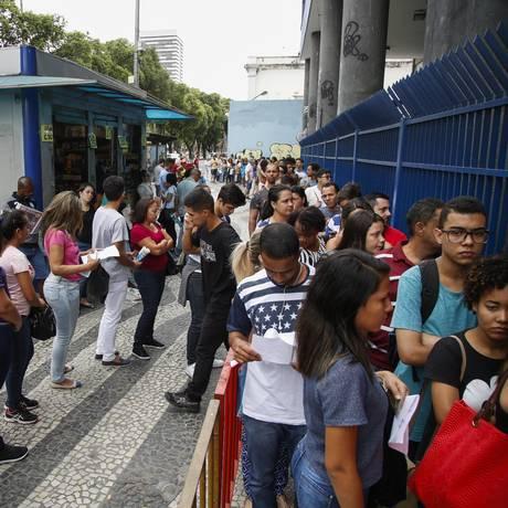 Estudantes chegam para fazer Enem no Rio Foto: Bárbara Lopes / Agência O Globo