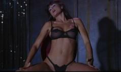 """""""Striptease"""". O longa-metragem de 1996 alçou Demi Moore ao posto de atriz mais bem paga de Hollywood, ao receber um cachê US$ 12,5 milhões pelo trabalho Foto: Divulgação"""
