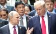O presidente da Rússia, Vladimir Putin, e o presidente dos EUA, Donald Trump, se reúnem na cúpula da Cooperação Econômica Ásia-Pacífico (APEC, na sigla em inglês) na cidade vietnamita de Danang