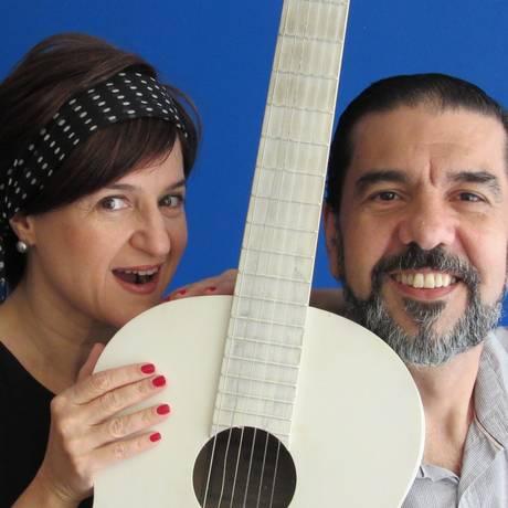 Cláudia Ventura e Alexandre Dantas passeiam pelo repertório da bossa nova Foto: Marcelo Cabanas