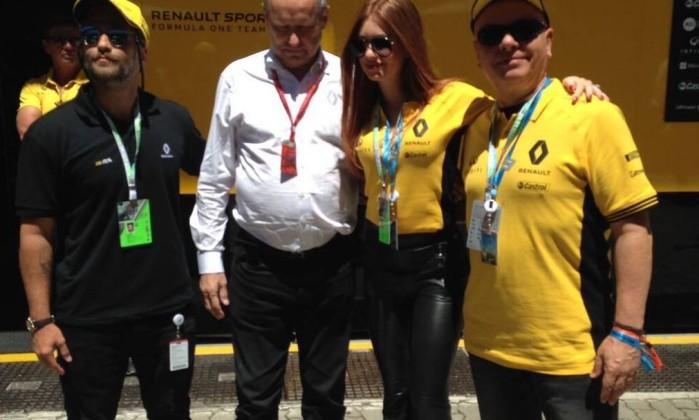 Marina Ruy Barbosa no box da Renault- Tatiana Furtado  Agência O Globo