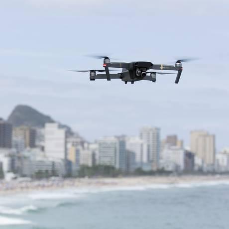 Drone sobrevoa o Mirante do Leblon, na Zona Sul do Rio de Janeiro Foto: Leo Martins / Agência O Globo