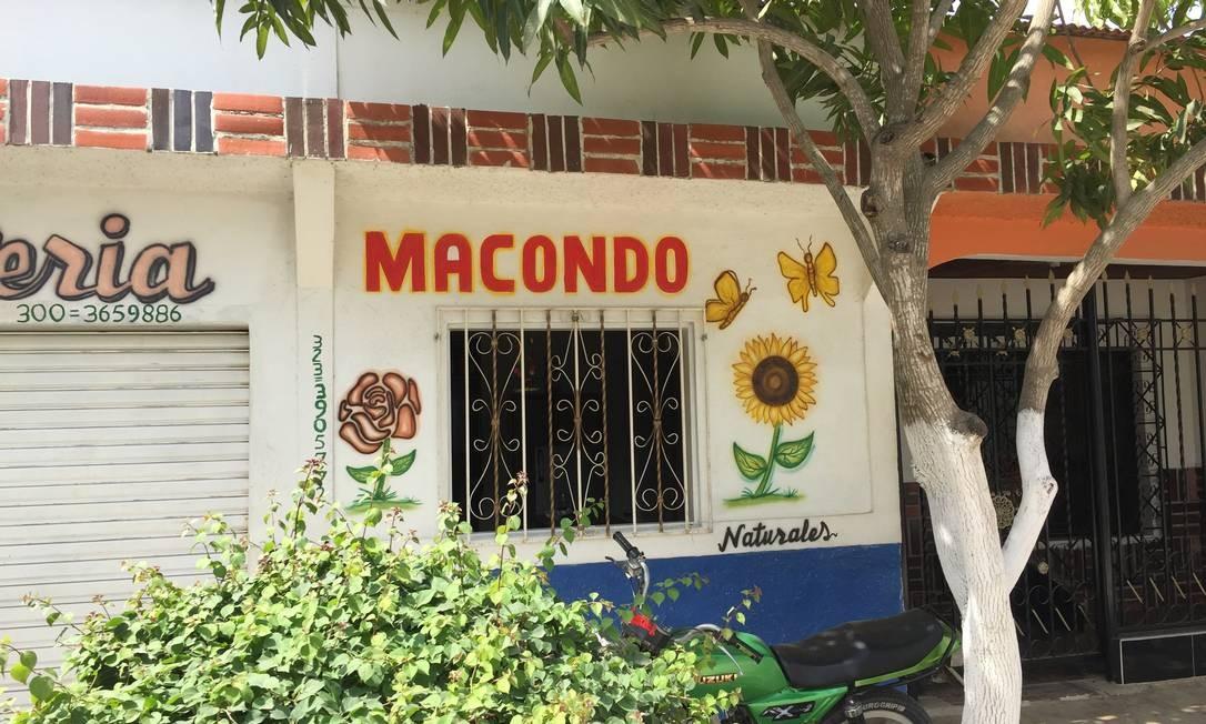 Ruas de Aracataca têm referências a García Márquez por toda parte Foto: Breno Salvador/O GLOBO