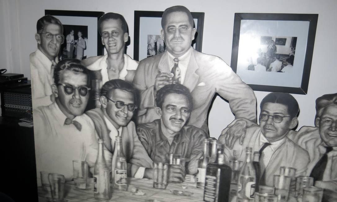 García Márquez e os colegas escritores são lembrados no bar La Cueva, que frequentaram por anos em Barranquilla Foto: Breno Salvador/O GLOBO