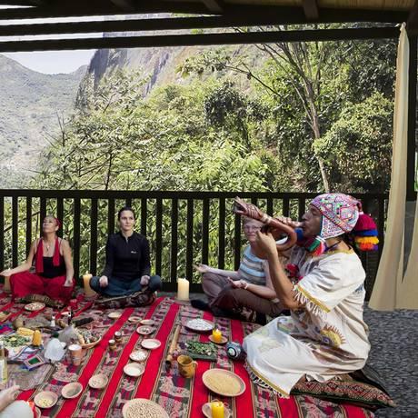 O ritual pado a la tierra, um dos momentos místicos oferecidos pelo Sumaq Foto: Divulgação