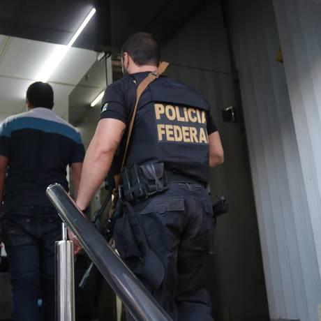 Polícia Federal cumpre mandados de busca e apreensão na Alerj Foto: Marcio Alves / Agência O Globo