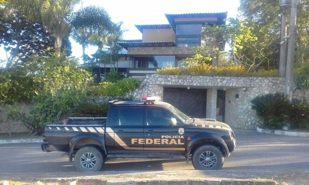 Também houve mandados de busca e apreensão na residência de Paulo Melo, em Saquarema Gabriel de Paiva / Agência O Globo