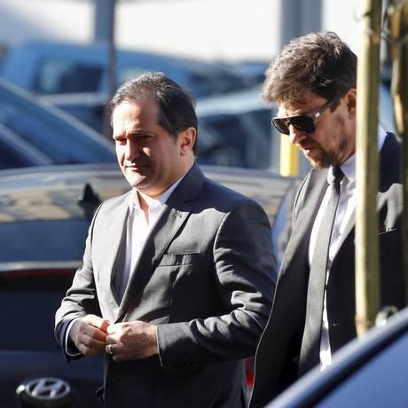 Operação 'Cadeia Velha': O deputado estadual Edson Albertassi chega na PF Foto: Pablo Jacob / Agência O Globo