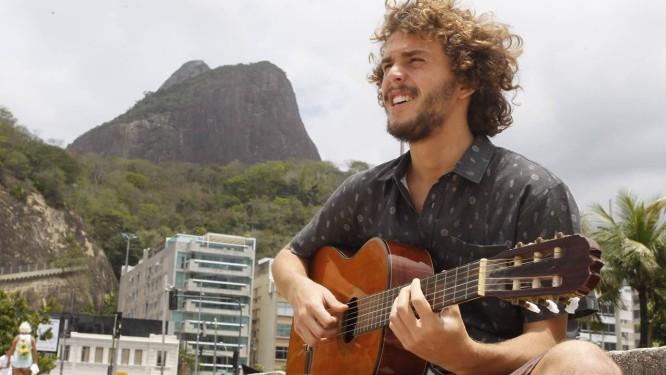 Theo Gam Bial, o Theozin, é filho da atriz Giulia Gam e do apresentador Pedro Bial Foto: Pedro Teixeira / Agência O Globo