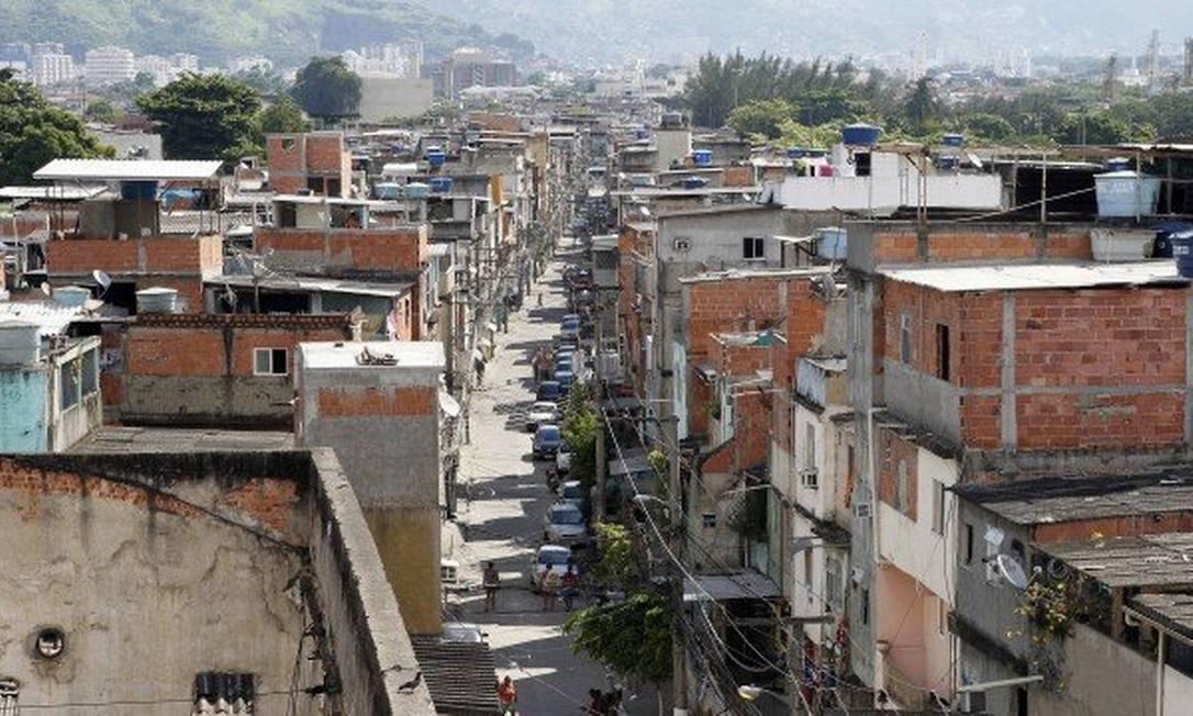 O Complexo do Caju, que fica na Zona Norte do Rio de Janeiro Foto: Roberto Moreyra / Agência O Globo