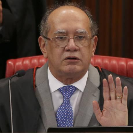 O ministro Gilmar Mendes, durante sessão do Tribunal Superior Eleitoral Foto: Aílton de Freitas/Agência O Globo/14-11-2017