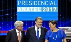 Os três principais candidatos à presidência Chilena: Sebastian Pinera, à esquerda, Alejandro Guillier, ao centro, e Beatriz Sanchez, à direita Foto: Esteban Felix / AP