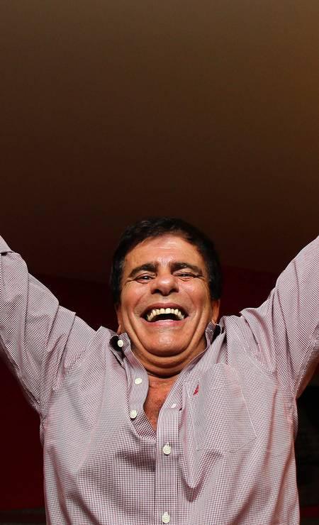 Nas eleições de 2010, Wagner Montes foi o deputado mais votado no estado do Rio e comemora em sua casa, na Barra da Tijuca. Foto: Ivo Gonzalez / Agência O Globo 03/10/2010