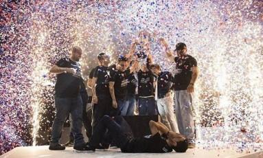 """Team One, que tem o carioca Alanderson """"4Lan"""" Meirelles entre os integrantes, comemora o título brasileiro de League of Legends Foto: Reprodução / Instagram"""