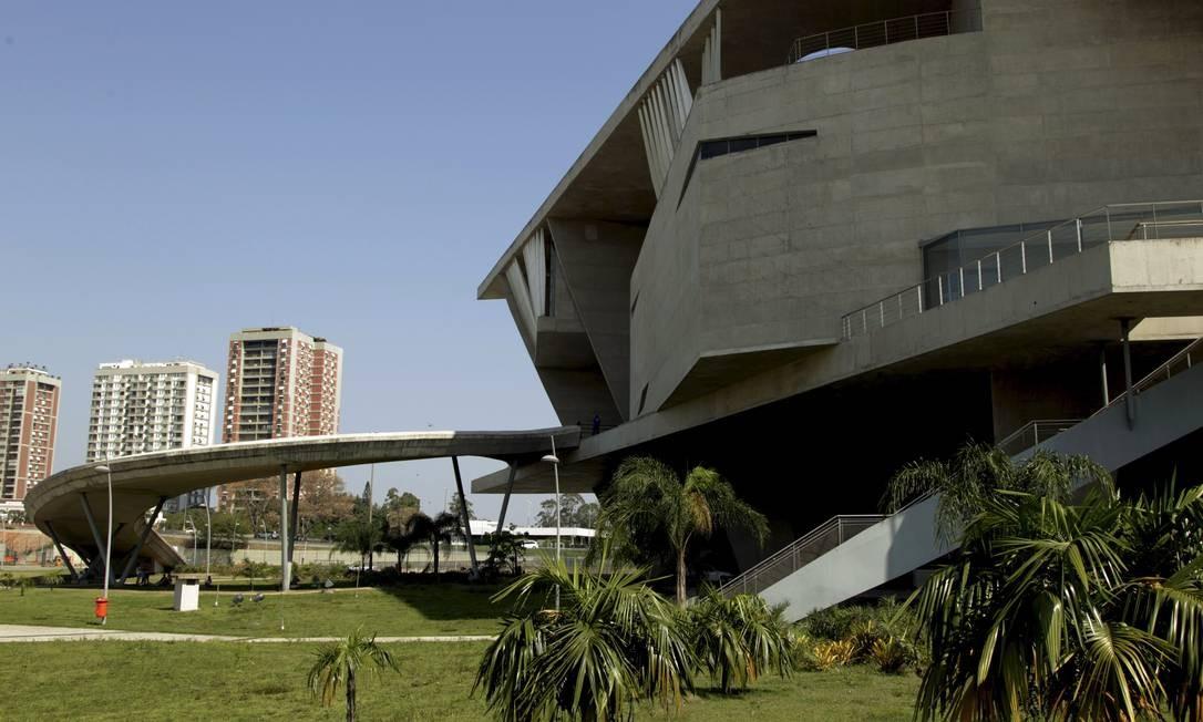O projeto monumental da Cidade das Artes, na Barra, é do arquiteto francês Christian de Portzamparc Foto: Cezar Loureiro / Agência O Globo