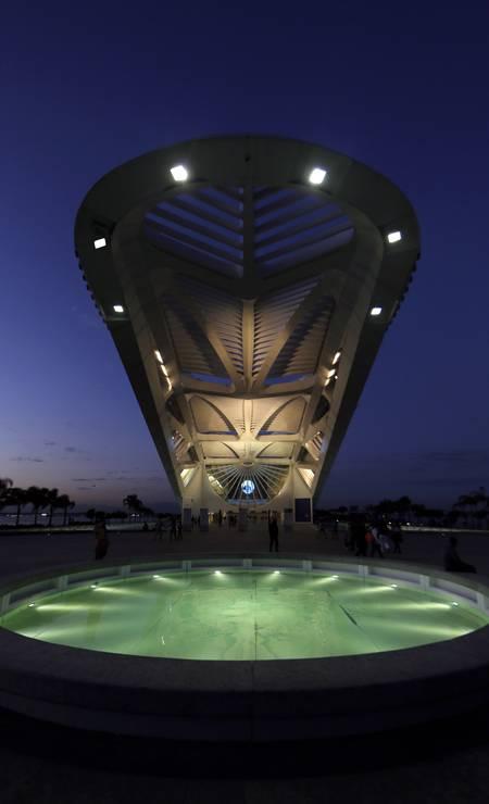 Sua forma longilínea é inspirada nas bromélias do Jardim Botânico do Rio Foto: Gustavo Miranda / Agência O Globo