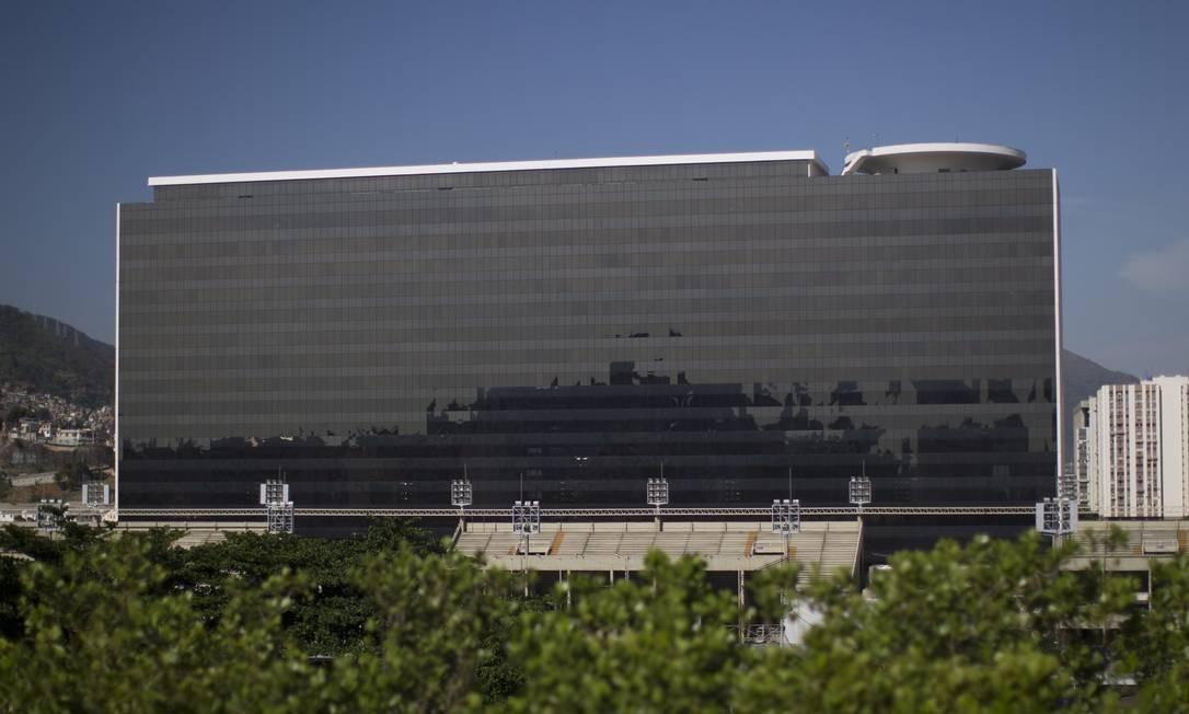 O Eco Sapucaí, um dos últimos projetos de Oscar Niemeyer, fica ao lado do Sambódromo Foto: Márcia Foletto / Agência O Globo