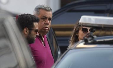 O deputado Jorge Picciani, no momento em que se entregou à Polícia Federal Foto: Alexandre Cassiano / Agência O Globo