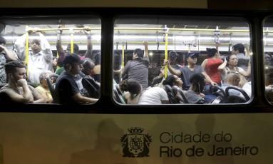 Paralisação de rodoviários está prevista para terça-feira Foto: Marcelo Theobald - 14/11/2017 / Agência O Globo