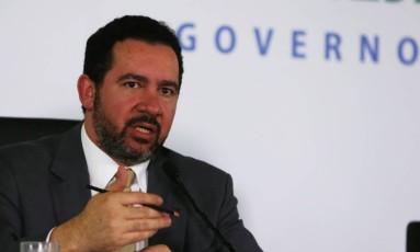 O ministro do Planejamento, Dyogo Oliveira, durante entrevista sobre o relatório da pasta Foto: Givaldo Barbosa/Agência O Globo
