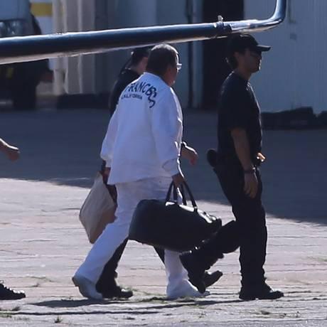 O ex-ministro Geddel Vieira Lima chega em Brasília, após ser preso na Bahia Foto: Jorge William / Agência O Globo/Jorge William/08-09-2017