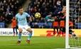Gabriel Jesus abriu o placar para o Manchester City na vitória por 2 a 0 sobre o Leicester, no King Power Stadium Foto: DARREN STAPLES / REUTERS