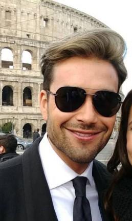 Sérgio Marone e Manuela do Monte, em Roma, nas gravações de 'Apocalipse' Foto: Divulgação