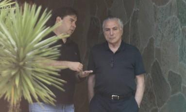 Temer foi à casa de Maia neste domingo Foto: Jorge William / Agência O Globo