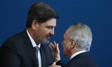 O novo diretor-geral da PF, Fernando Segóvia, e o presidente Michel Temer Foto: Ailton de Freitas / Ailton de Freitas/Agência O Globo
