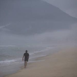 O feriado da Consciência Negra foi de chuva e nebulosidade nos céus da cidade Foto: Márcia Foletto / O Globo
