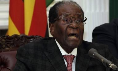 O presidente do Zimbábue, Robert Mugabe, discursa em Harare Foto: Tsvangirayi Mukwazhi / AP