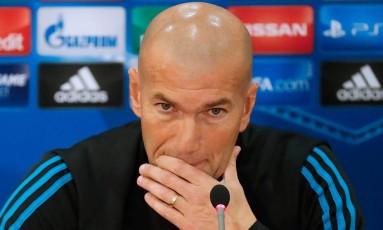 O técnico Zinedine Zidane prepara mudanças no Real Madrid Foto: JACK GUEZ / AFP
