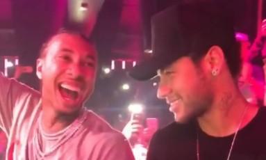 Tyga e Neymar em noitada em Paris Foto: Reprodução