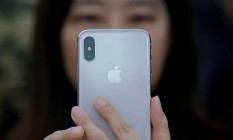 iPhone X em apresentação à imprensa em Pequim, na China. Foto: Thomas Peter/Reuters