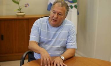 O secretário municipal de Educação Cesar Benjamin Foto: Domingos Peixoto / Agência O Globo