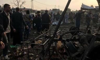 Mias de 30 pessoas morreram e outras 70 ficaram feridas após um carro-bomba explodir na cidade de Tuz Khurmatu, no Iraque Foto: Reprodução/Twitter