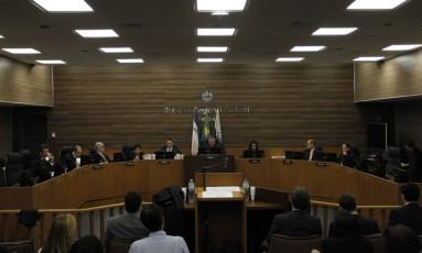 Tribunal Regional Federal da 2ª Região julgou anulação da decisão da Alerj que soltou deputados presos na operação 'Cadeia Foto: Pedro Teixeira / Agência O Globo