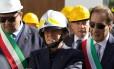 Berlusconi visita a vila de Casamicciola, atingida por terremoto em agosto Foto: ELIANO IMPERATO / AFP
