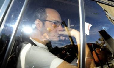 O doleiro Lúcio Funaro chega na 10ª Vara da Justiça Federal de Brasília Foto: Jorge William/Agência O Globo/06-11-2017