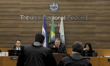Por unanimidade, Justiça determina mais uma vez prisão de deputados Foto: Pedro Teixeira / Agência O Globo