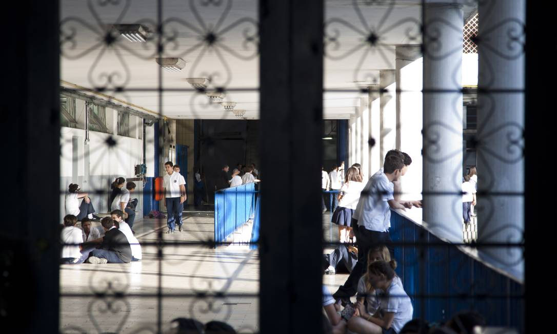 Alunos do Colégio Pedro II, em São Cristóvão Foto: Paula Giolito / Agência O Globo