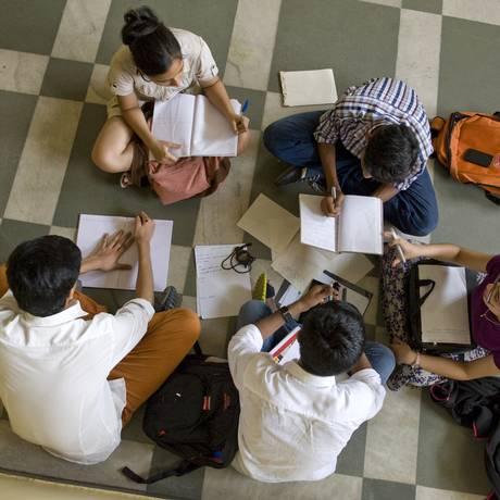 Cerca de 21,2% dos estudantes brasileiros sequer têm habilidade de trabalhar em equipe Foto: Marco Saroldi / Shutterstock