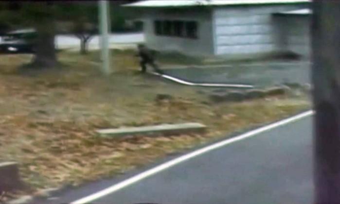 Fuga de soldado norte-coreano captada em vídeo