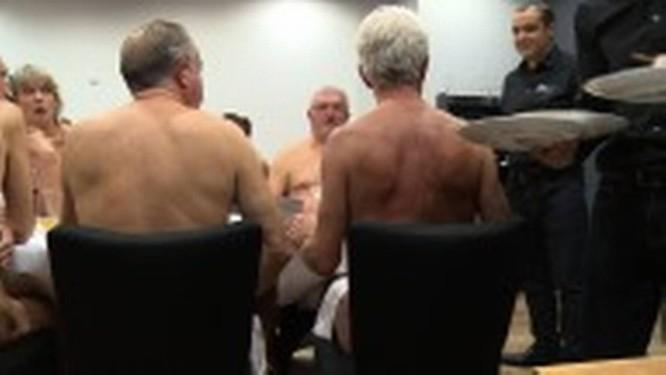 Restaurante de nudismo O'Naturel, em Paris, onde os clientes jantam nus Foto: AFP