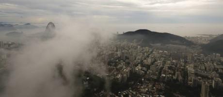 Rio sob nuvens nesta quarta-feira Foto: Pablo Jacob / Agência O Globo