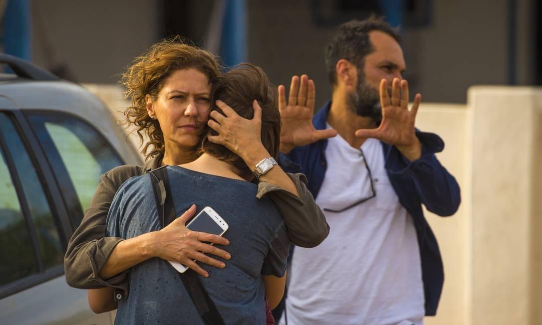 José Luiz Villamarim comanda cena com Alice Wegman e Patricia Pillar Divulgação/TV Globo/Estavam Avellar