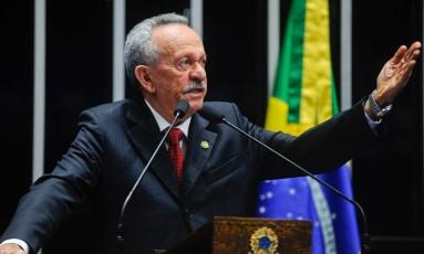 O senador Benedito de Lira (PP-AL) é o relator do projeto de lei do Senado que autoriza a exploração de jogos de azar Foto: Agência Senado 16/08/2016