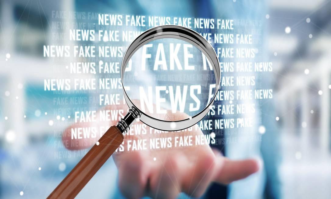bfbd2b6ef9 Compartilhar manchetes sem ler a matéria ajuda na propagação de informações  incorretas Foto  Fotolia